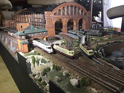 Z Scale Model Railroad 8.8 X 2  Foot 99% Finished