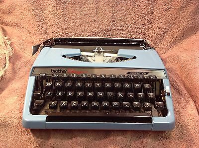 Vintage Brother Charger 11 portable typewriter blue w/ case