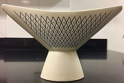 Hornsea Pottery Anvil Vase With Lattice Design By John Clappison 1959-62