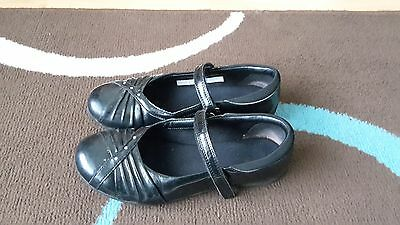 Girl's Clarks, size 3.5 G, black, patent shoes.