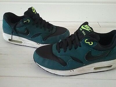 boys  NIKE AIR MAX green trainers  Size 5.5