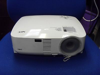 Nec Vt590 3Lcd Multimedia Projector Only 137 Lamp Hours Used