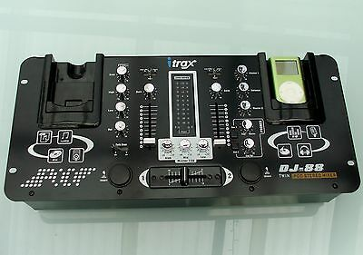 Ipod Twin Phono Line Dj Mixer In Great Condition Will Post