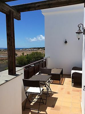 Holiday Villa Playa Blanca, Heated Pool, Sea Views