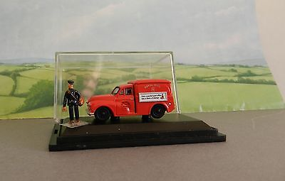 1/67  Scale    OXFORD   ROYAL MAIL  MORRIS MINOR  WITH POSTMAN