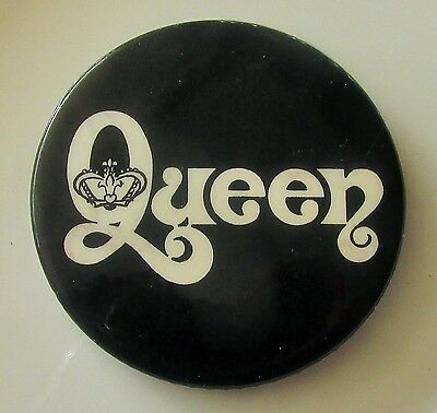 QUEEN LARGE VINTAGE METAL PIN BADGE FROM THE 1970's MERCURY MAY TAYLOR DEACON