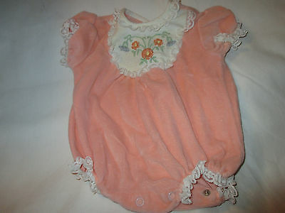 VINTAGE BABY or DOLL PEACH VELOUR ROMPER ONESIE~EMBROIDERED & LACE INSET