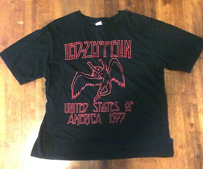 """Led Zeppelin black and red T-shirt Medium """"United States of America 1977!"""""""