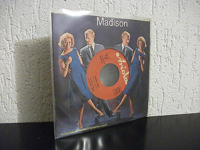 The Madison-Kings und Papagei Mady – Madison, Mady/Mister Madison's Saloon