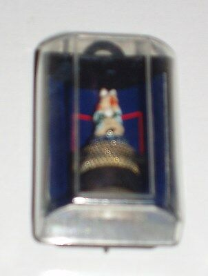 Superb Beatrix Potter Peter Rabbit Figure On Top Of Thimble In Presentation Box