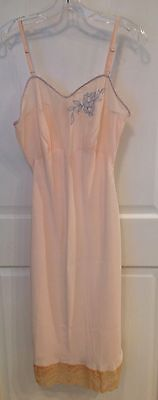 Vintage Vendome pink rayon slip beige lace tourquoise embroidery sz 34