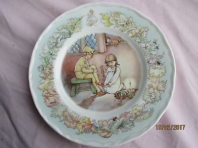 """Royal Worcester """"Peter Pan Collection"""" Plate : PETER'S SHADOW"""