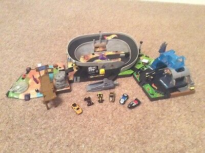 hot wheels micro stunt park including 7 vehicles