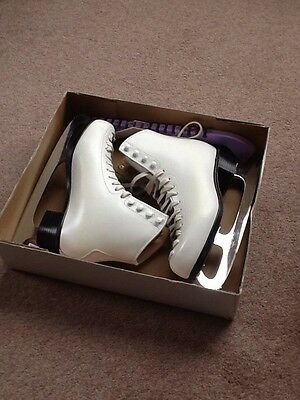 Women's Ice Skating Boots