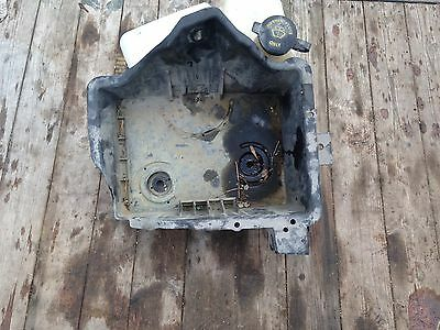 08 09 10 Ford F250 F350 5.4 Battery Tray With Window Washer Fluid Reservoir