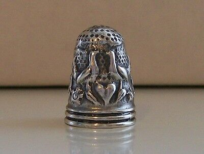 Nicely Decorated Continental Silver Thimble (Bird Decoration)
