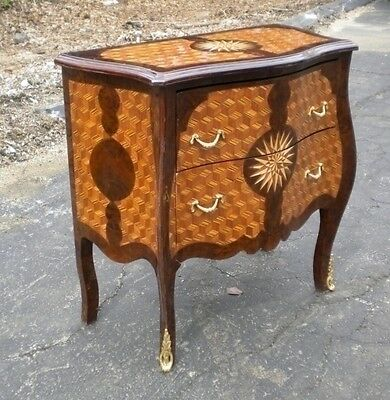 Classic Art Deco style superbly inlaid commode