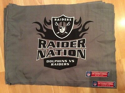 Collectible Miami Dolphins Vs Oakland Raiders  Nfl Wembley  2014 Fan Flag