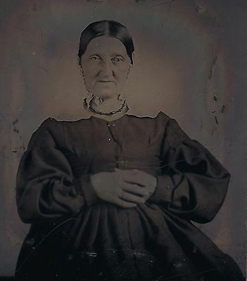 OLD VINTAGE ANTIQUE TINTYPE PHOTO of OLD PURITAN WOMAN MOTHER GRANDMOTHER