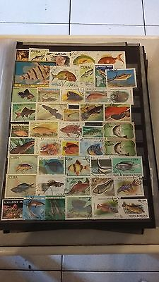 "46 timbres ""Poissons"" (lot 7)"