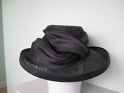Navy Blue Wide Brim hat. Ideal for Mother of the bride Perfect condition.