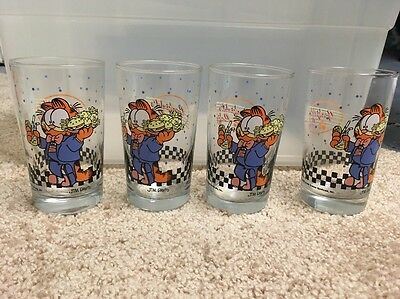 Four 1978 Garfield 'Garfield Cafe' Glasses
