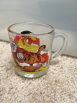 Vintage 1978 McDonald's Garfield Glass Coffee Mug.