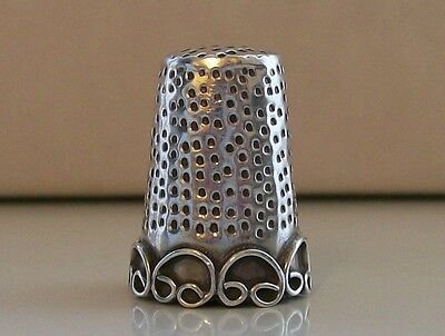 Nicely Decorated Continental 925 Sterling Silver Thimble
