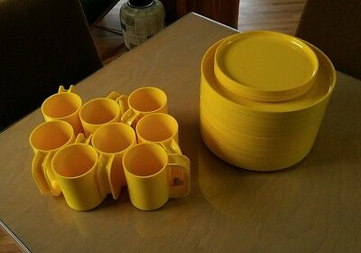 Heller Massimo Vignelli Yellow Plates Cups Dinner Mid Century Retro Mod Vintage