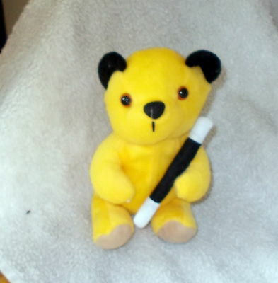 """**A Official Very Collectable 2009 """"Sooty"""" Plush Figure* - Look"""