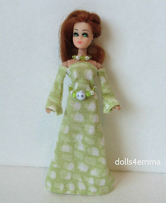 DAWN DOLL CLOTHES Medieval Gown + Belt + Necklace green Fashion NO DOLL d4e