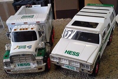 2 LOT  Hess Toy Truck  2008 2004 SUV &  LOADER