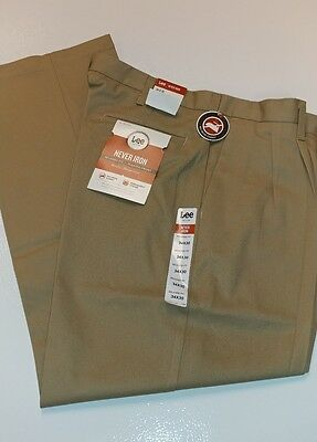 NWT Men's Pleated Dress Pants. 34x30. Cont. U.S. shipping only.