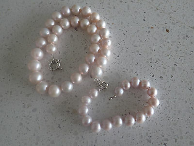 Genuine pearl necklace and bracelet set