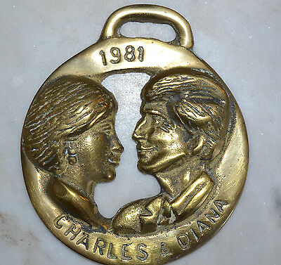 Vtg Brass Horse Bridle Saddle Medallion Charles & Diana Silhouettes 1981 #8060