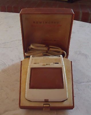 Vintage Remington Roll-A-Matic 25 Electric Razor and Case w/ cord