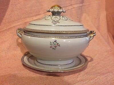 Vista Alegre Porcelain Tureen. Historic Chinese Export Style Reproduction.