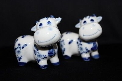 Retro CERAMIC Blue & White DELFT Style COW Salt and Pepper Shakers
