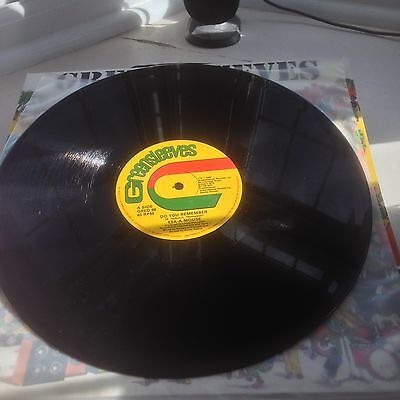 Eek A Mouse- Do You Remember b/w Toyan- Strictly The Dread...Greensleeves..1982