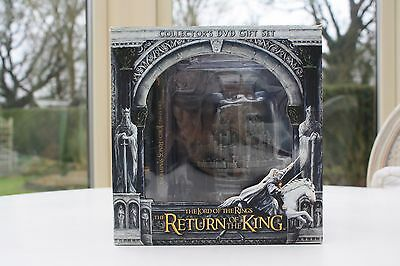 Pristine Lord of The Rings Return of The King  Collectors Gift set