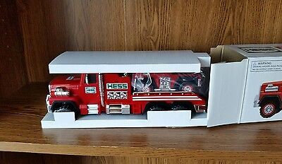 Hess Fire Truck and Ladder Rescue New in the box all original 2015