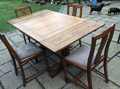 Oak Antique Table Extending With 4 Chairs