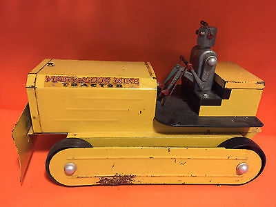 Vintage 50's Saunders MARVELOUS MIKE TRACTOR Battery Operated ROBOT Toy NICE!