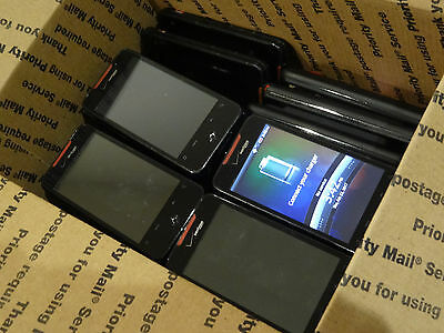 Lot of 25 HTC Droid Incredible Verizon Smartphones Most Power On AS-IS