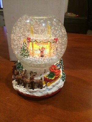 McMEMORIES McDONALD'S SNOW GLOBE 1996 ~ RARE~SANTA TAKES A BREAK~ LIGHTED