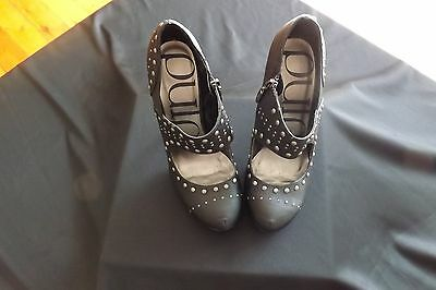 Womens Black Shoes size 7 1/2