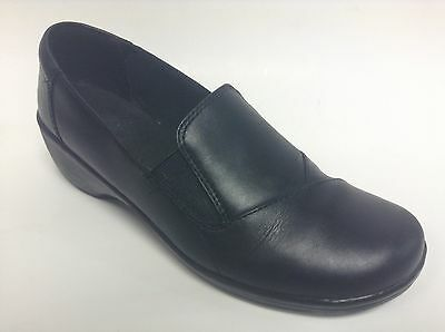 Clarks Black Leather Slip On Shoes Women's Size 7 M