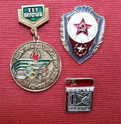 Collectable Russian Olympic Medal & Badges X 2. ref 3