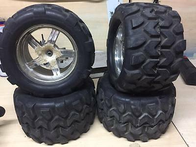gomme moster  attacco traxxas