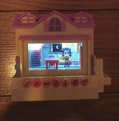 Pixel Chix Yellow & Pink House Like New Vintage